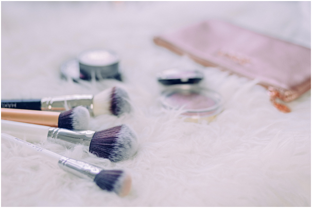 Les indispensables du make up pour les novices